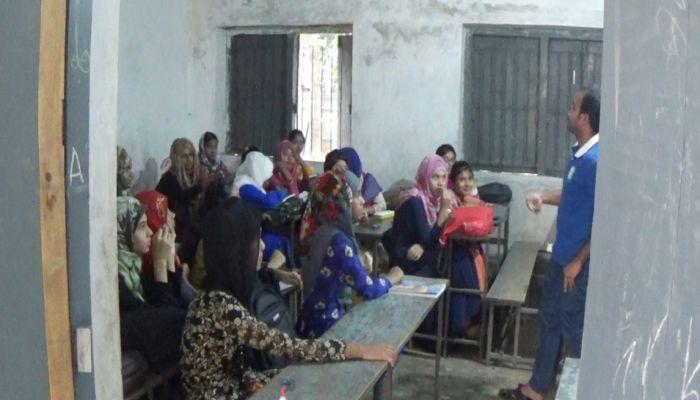 ঝিনাইদহে অতিরিক্ত ক্লাসের নামে চলছে রমরমা কোচিং বাণিজ্য