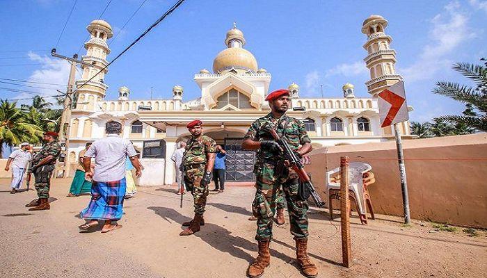 শ্রীলংকার মসজিদ,মুসলমানদের দোকানপাটে এলোপাতাড়ি পাথর ছুড়েছে স্থানীয়রা