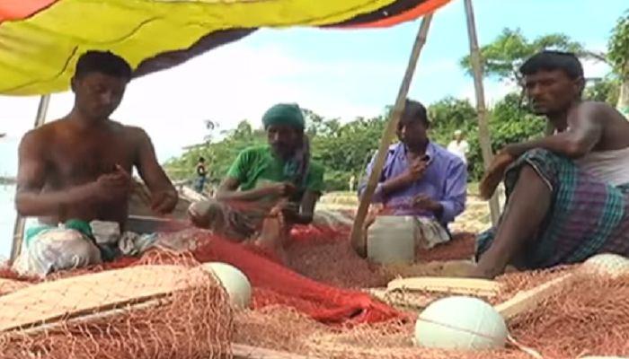 ঈদের আগেই ৪০ কেজি করে চাল পাচ্ছেন কক্সবাজারের জেলেরা