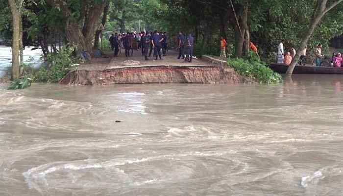 টাঙ্গাইলে বাঁধ মেরামতে সেনাবাহিনী মোতায়ন