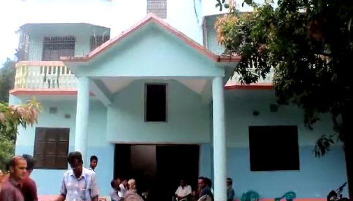 টুঙ্গিপাড়ায় সাবেক উপজেলা চেয়ারম্যানের বাড়িতে ডাকাতি