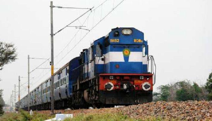৮ ঘণ্টা পর ঢাকা-খুলনা রুটে রেল যোগাযোগ স্বাভাবিক