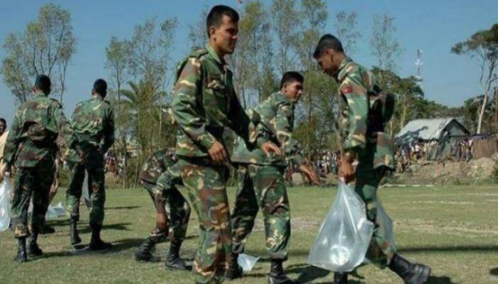 ত্রাণ বিতরণে সেনাবাহিনী, যা বলছে সরকার
