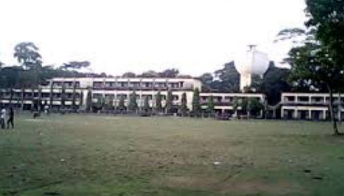 দুর্নীতির অভিযোগ: সাংবাদিক শুনেই ফোন কেটে দিলেন আমতলী কলেজের অধ্যক্ষ