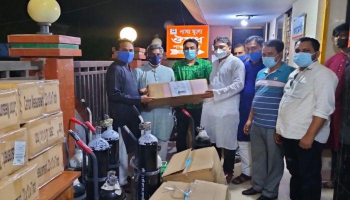 চাঁদপুরের ৩ হাসপাতালে চিকিৎসা সরঞ্জাম দিল রুট গ্রুপ