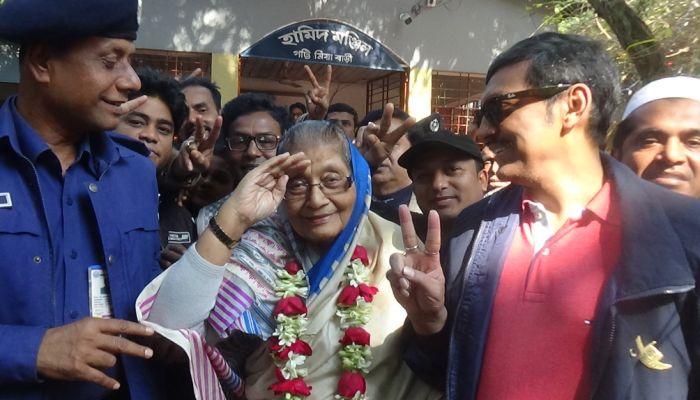 দেশ গড়তে শেখ হাসিনাকে সহযোগিতা করুন: সাজেদা
