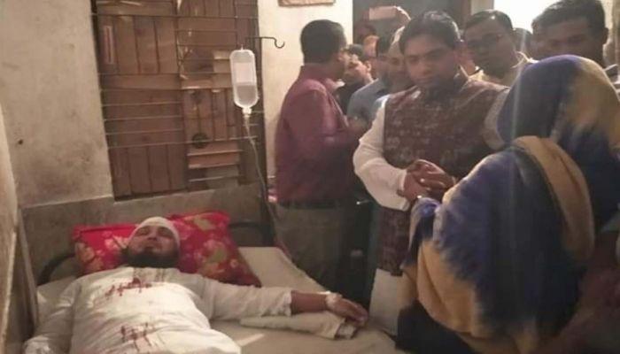গৌরনদীতে প্রতিপক্ষের হামলায় ইউপি সদস্য আহত