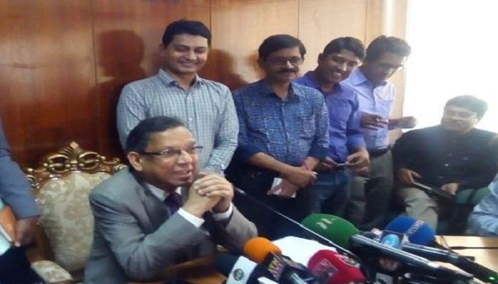 'আইএসের' টুপি পরে এজলাসে আসার বিষয়টি তদন্ত করা হবে: আইনমন্ত্রী