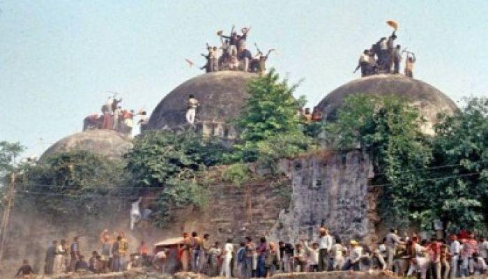 বাবরি মসজিদ রায়: মুসলিম নেতাদের হুমকি দিচ্ছে প্রশাসন