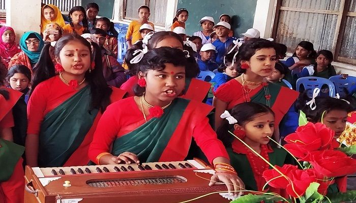 মোরেলগঞ্জে জাতীয় সংগীত প্রতিযোগীতায় চ্যাম্পিয়ন মডেল স্কুল