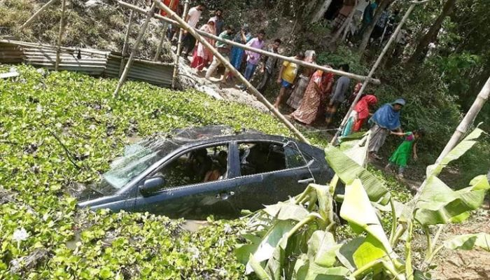 কুমিল্লায় সড়ক দুর্ঘটনায় নিহত ৩
