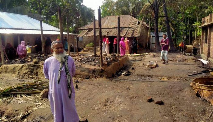 লালপুরে আগুনে সর্বশান্ত কৃষক
