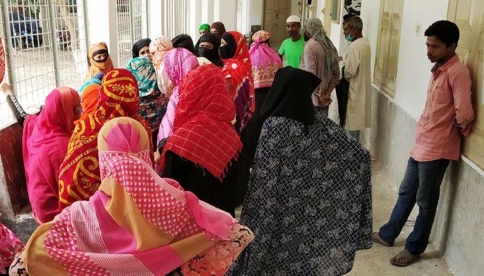 মোরেলগঞ্জে ইজিবাইক চাপায় নারী নিহত